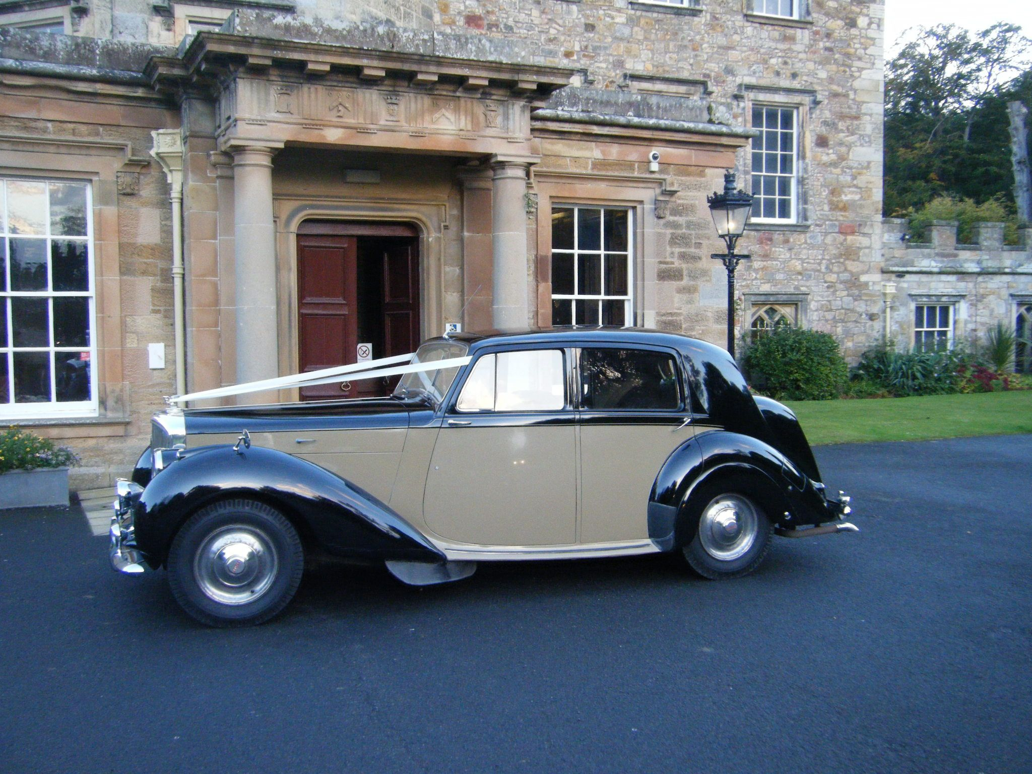 Pin by Lothian Classic Wedding Cars on 1948 Bentley Mark VI