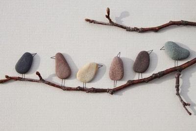 Sehe dir das Foto von Kunstfan mit dem Titel Süßes Vogelbild aus Steinen basteln, tolle Idee und andere inspirierende Bilder auf Spaaz.de an. #bastelnmitsteinen