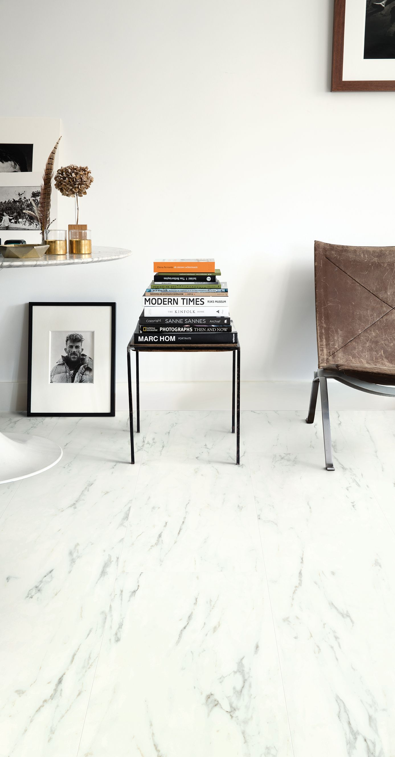 Quick-Step Vinyl Flooring - Ambient Click \'Marble Carrara White ...