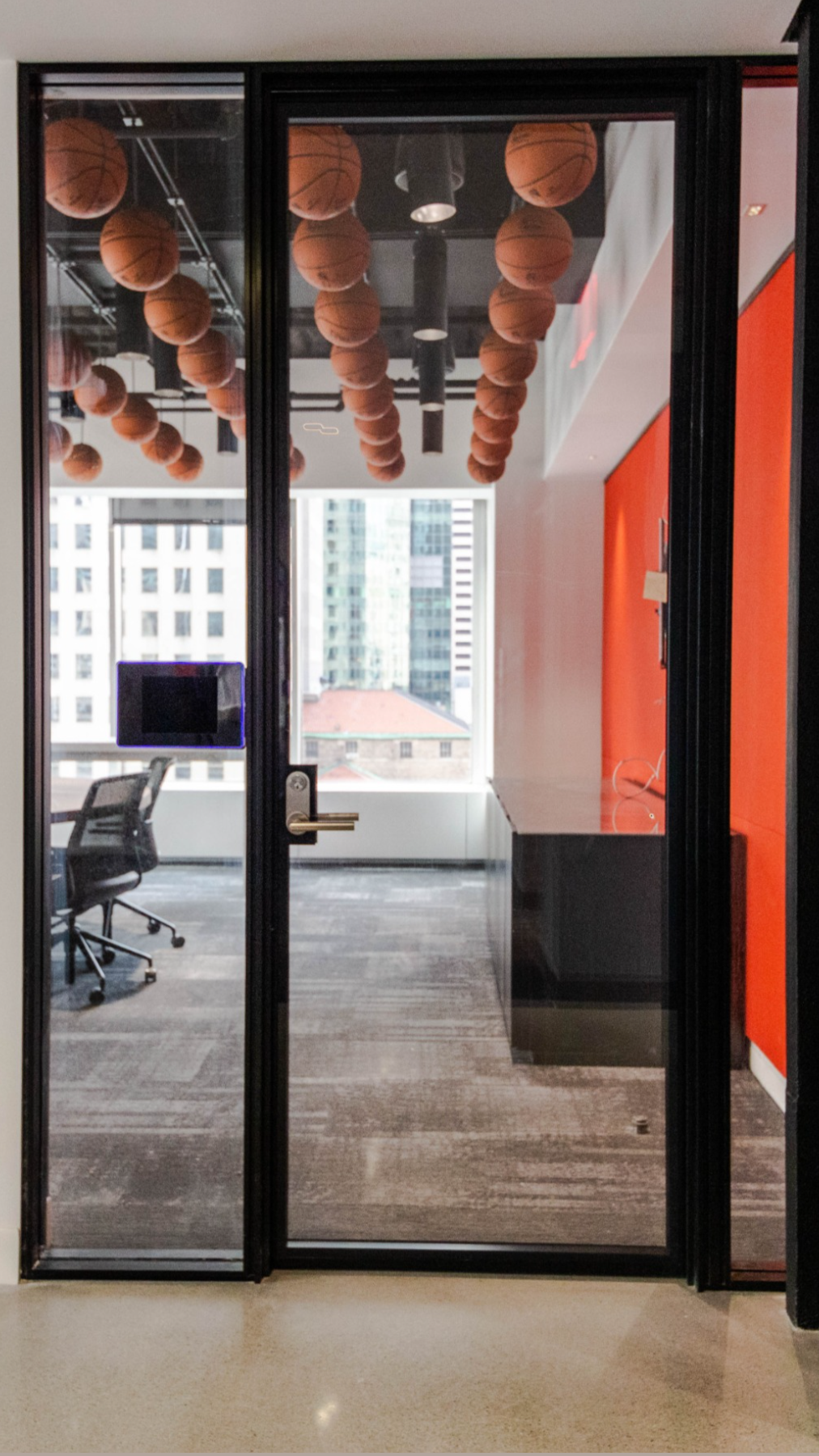 Adotta Metafora office front partitions by Wing Partners