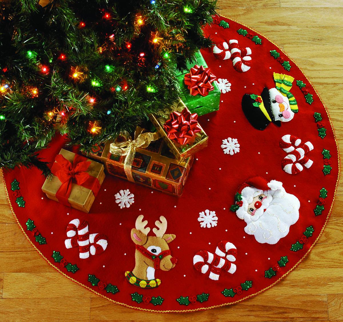 Santa Friends 43 Bucilla Felt Christmas Tree Skirt Kit 86023 Fth Studio International Felt Christmas Tree Christmas Tree Skirts Patterns Felt Christmas