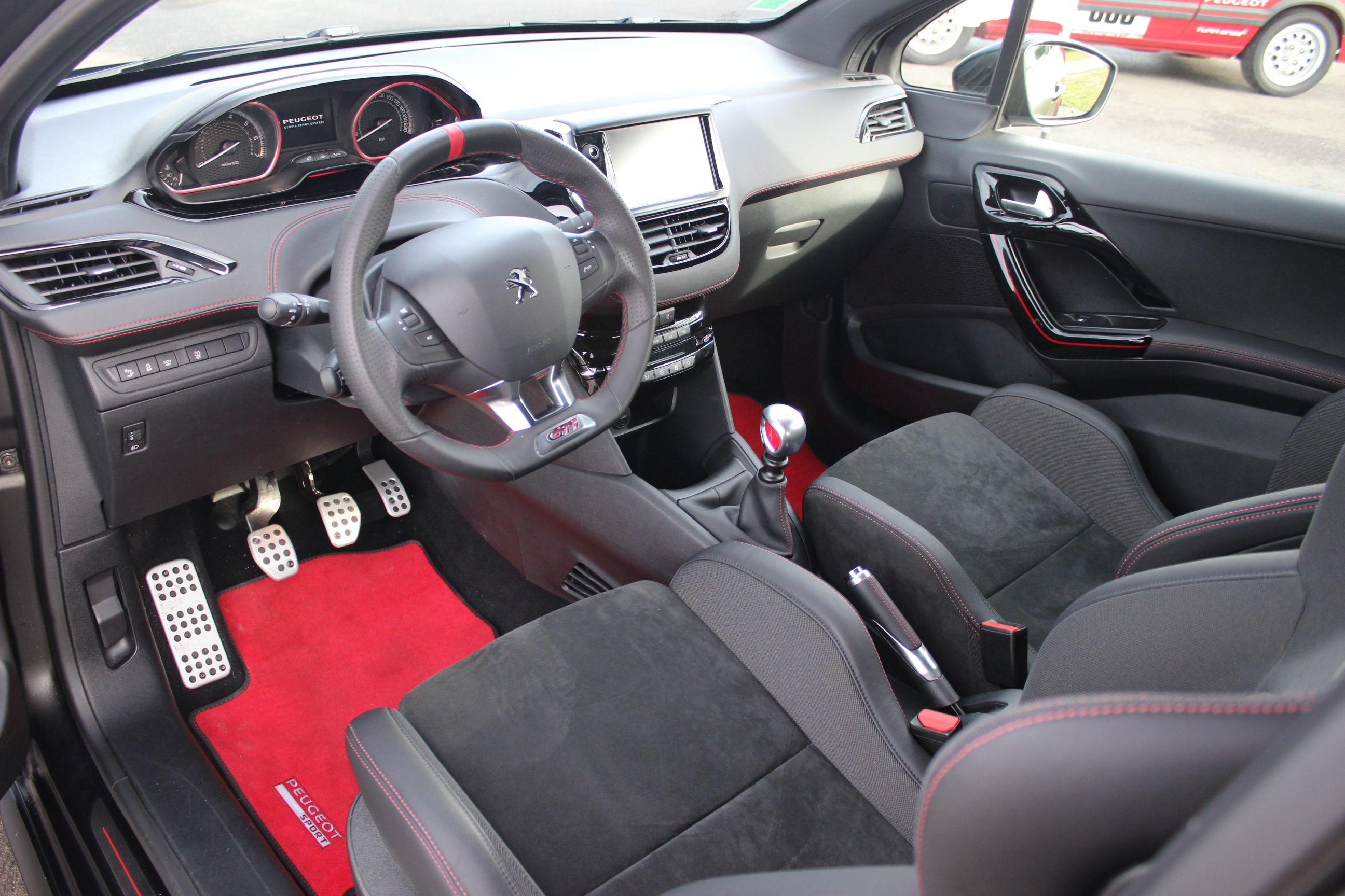 R Sultats De Recherche D Images Pour Peugeot 208 Gti Peugeot  # Muebles Peugeot Boxer