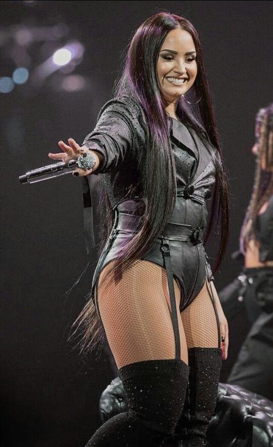 Demi lovato covers cosmopolitan, compares herself to rihanna