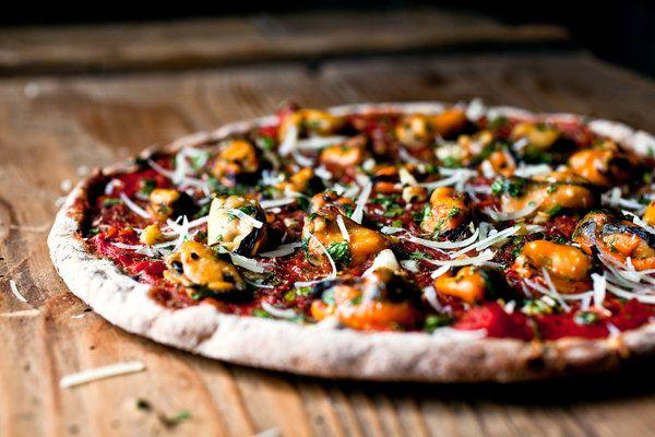Mussel Pizza Recipe Photo Andrew Scrivani For The New York