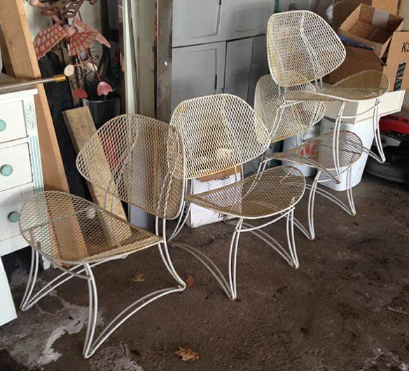 How to Restore Homecrest Patio Furniture it just needs a good scrub, a coat  of rust inhibiting primer and a new top coat of spray paint before it will  be ... - How To Restore Homecrest Patio Furniture It Just Needs A Good Scrub