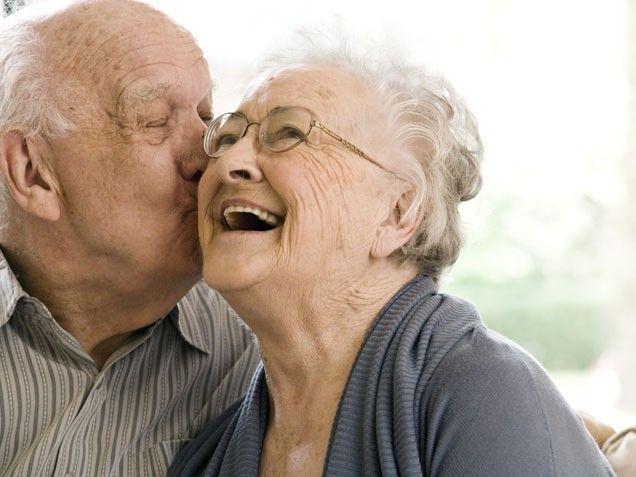 Que o amor não dependa do tempo, nem da paisagem, nem da sorte, nem do dinheiro. Que ele possa vir com toda simplicidade, de dentro para fora, de um para o outro..