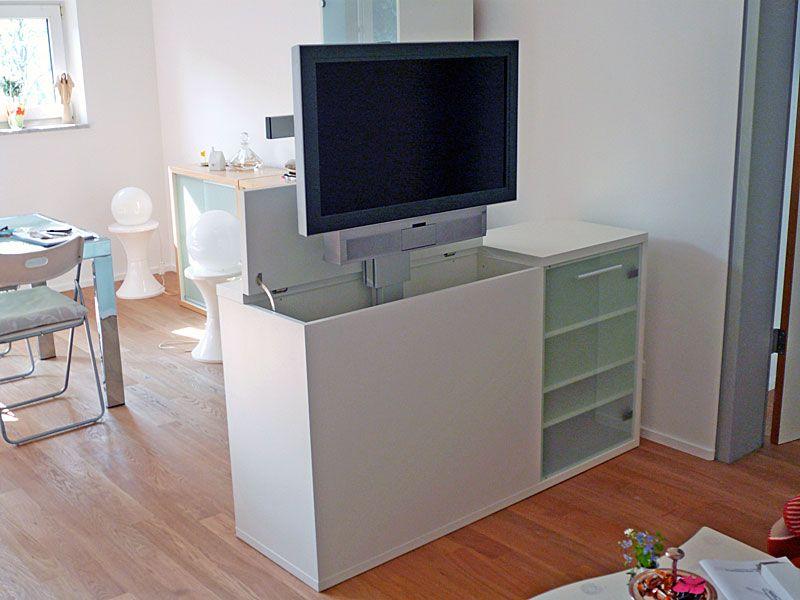 TV-Möbel mit elektrisch versenkbarem TV-Lift | Schlafzimmer ...
