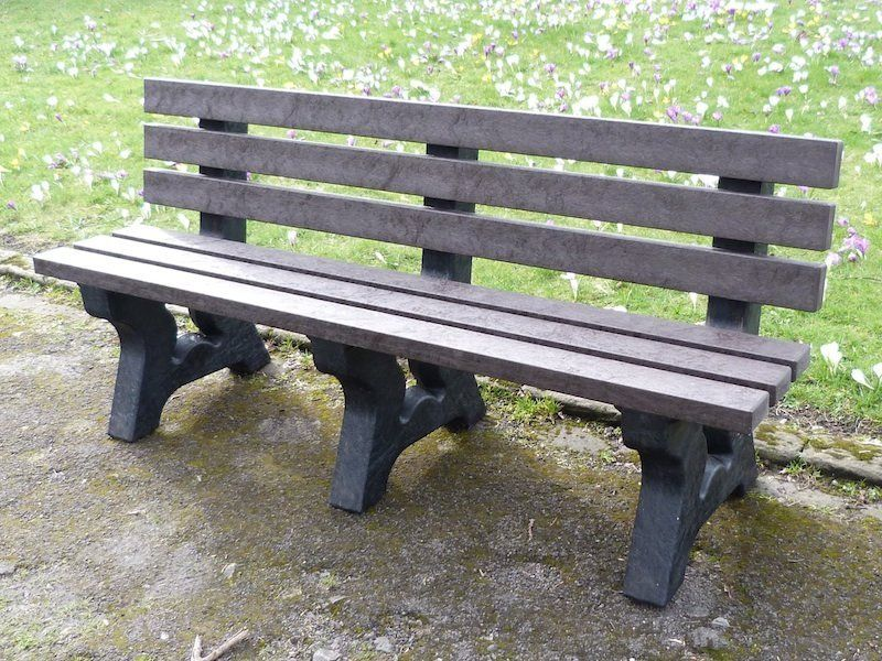 Irwell 4 Seater Recycled Plastic Garden Bench Plastic Garden Furniture Garden Benches Uk Plastic Garden Chairs