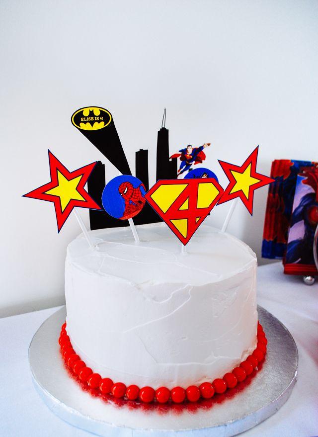 Leichte Superhelden-Geburtstagstorte mit bedruckbaren Tortendeckeln   – Super Hero Birthday Party Theme