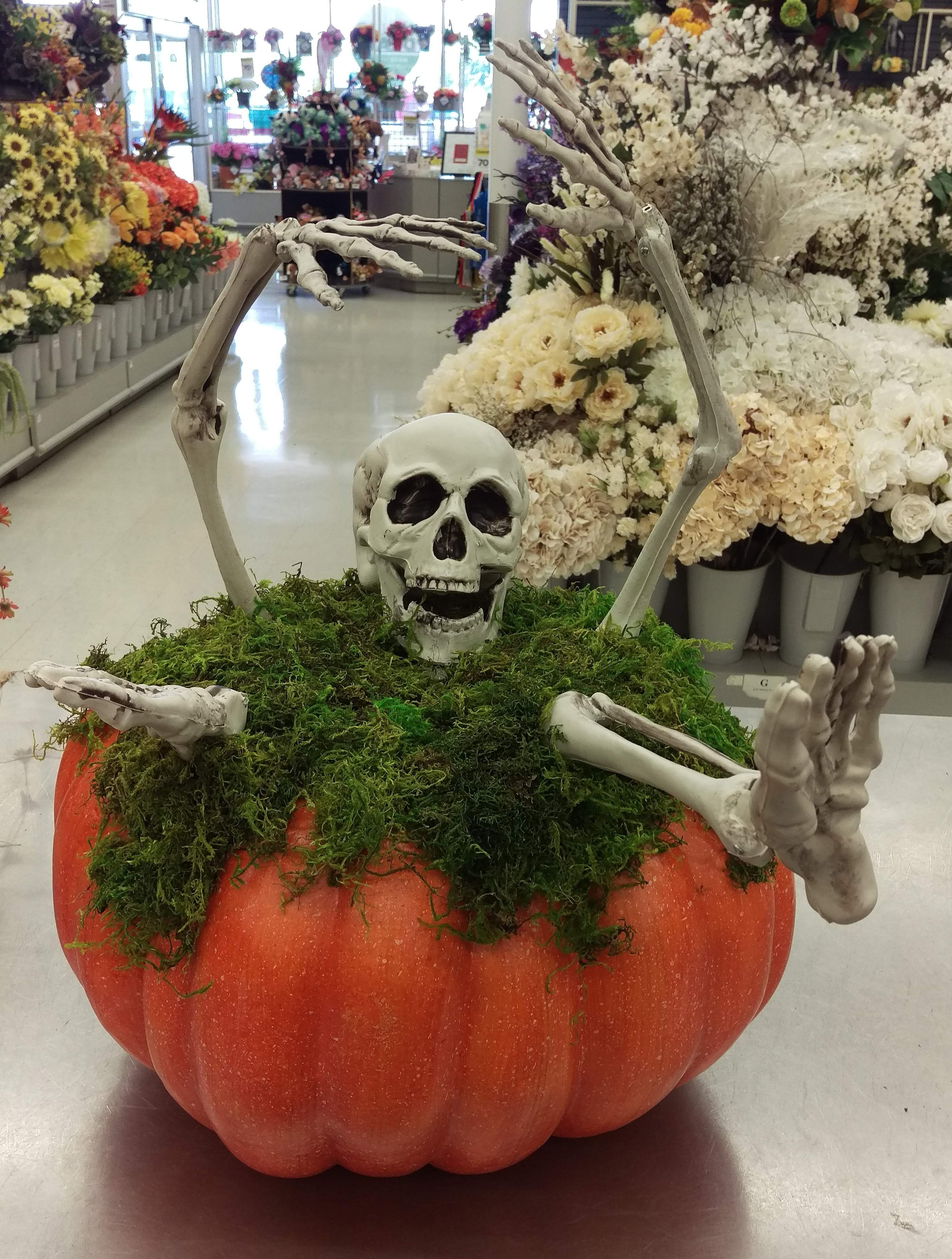 Fall 2017 by Randi Sheldon at Michaels 1600 Halloween decor - cool halloween decoration ideas