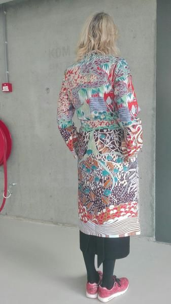 Citaten Zomer Kimono : Vlisco kimono tree of life pattern by sanne van winden customer
