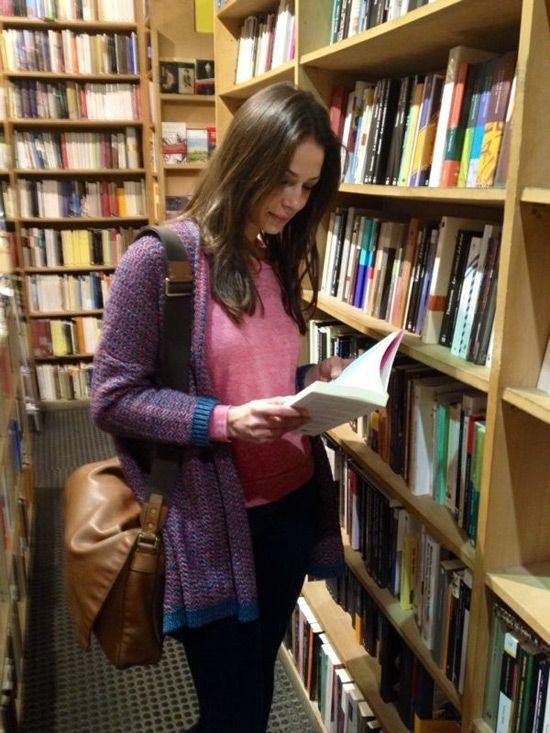 eva en su libreria favorita de madrid