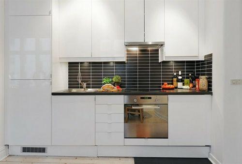 Komapkte, kleine Küche - glanzvolle Küchenmöbel | Helga | Pinterest ...