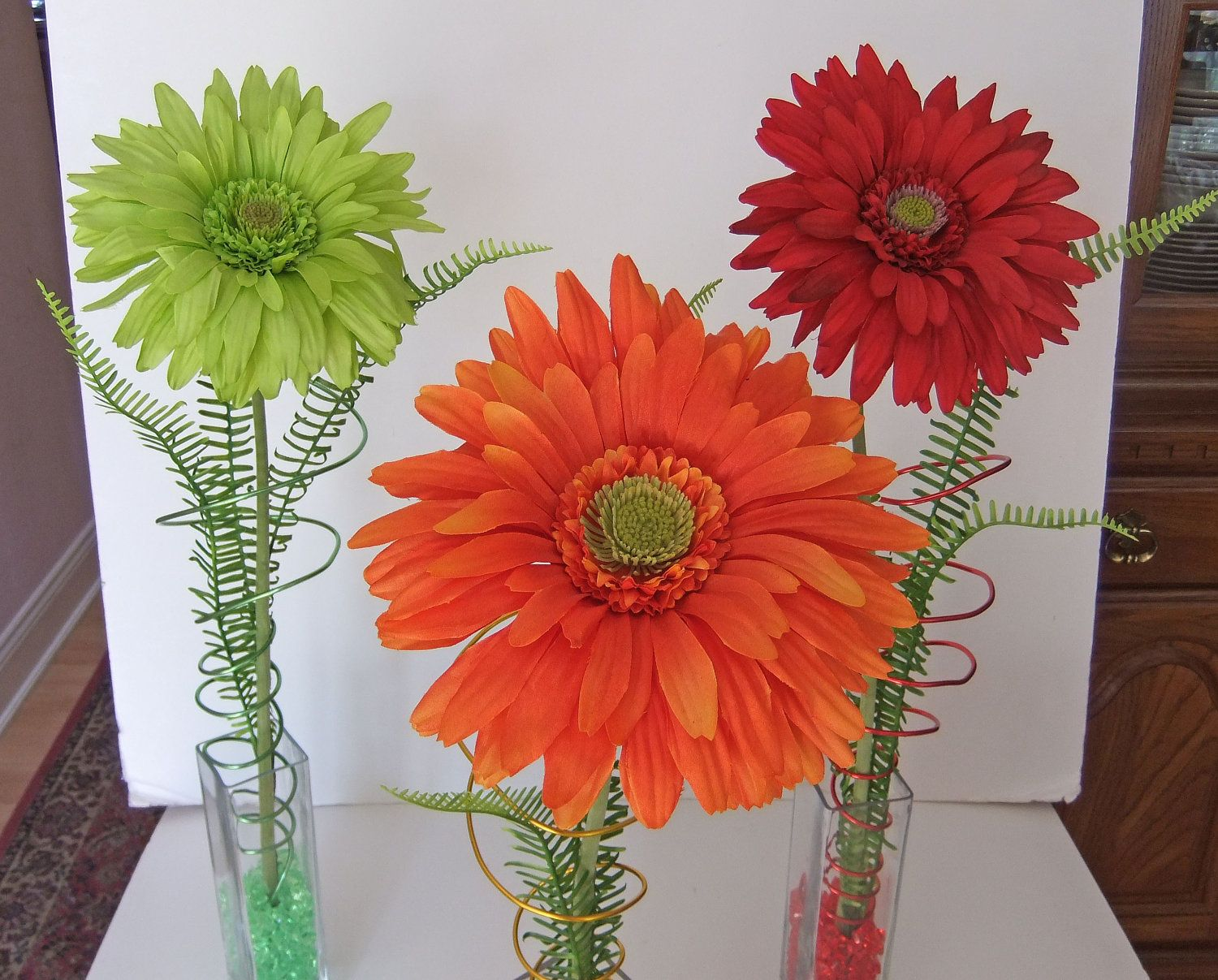 Reserved for juanita gerbera daisy centerpiece modern design with daisy flower arrangement centerpieces gerbera daisy centerpiece modern design with decorative wire and izmirmasajfo