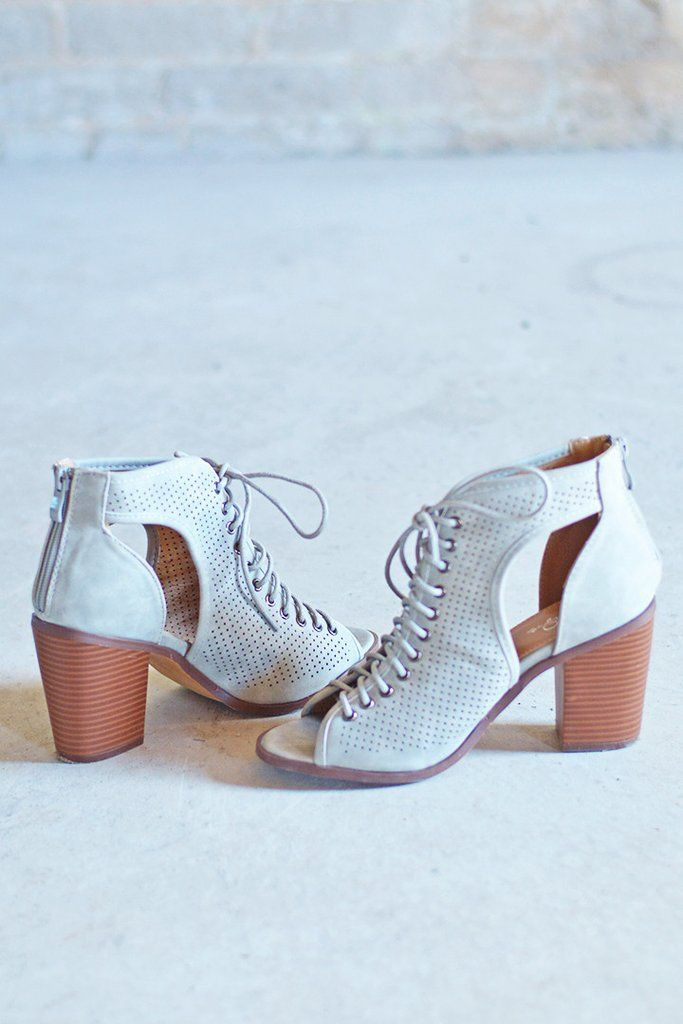 Is it too early for us to say that these beautiful light grey lace up heeled sandals are our favorite shoes of the season?!