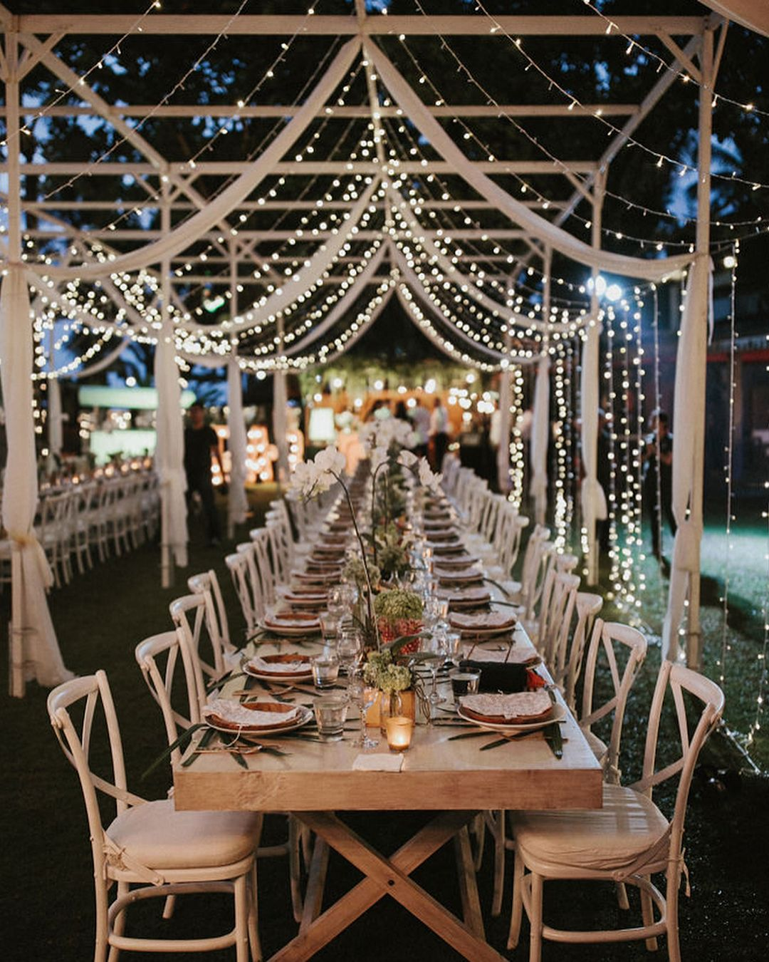 Straight out of a storybook we are totally in love with this cozy straight out of a storybook we are totally in love with this cozy outdoor wedding decor junglespirit Choice Image