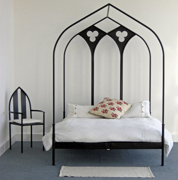 Pin By Dee Traue On Beautiful Beds Gothic Bedroom Gothic Bed Gothic Furniture