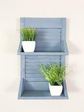 Photo of Blue Reclaimed Rustic Shutter Shelf: Architektonisches Bergungswanddekor, Blaues Bad …