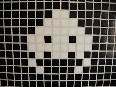 Avi & Sirenerne: Space invaders i køkkenet!