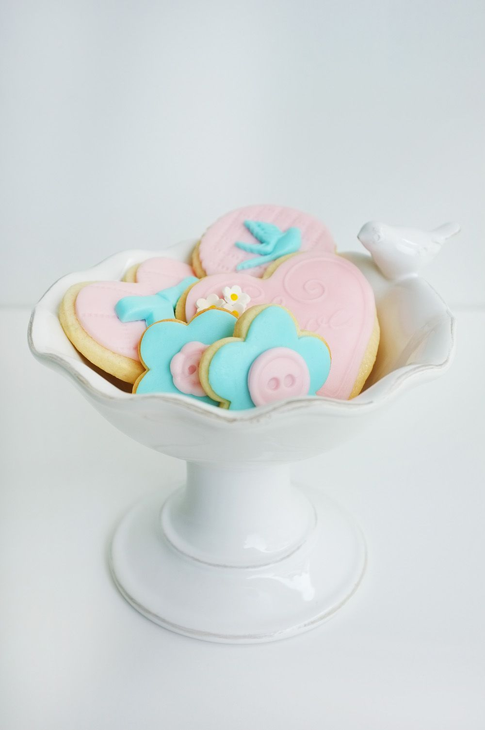 Yummy and very cute fondant cookies!!!!