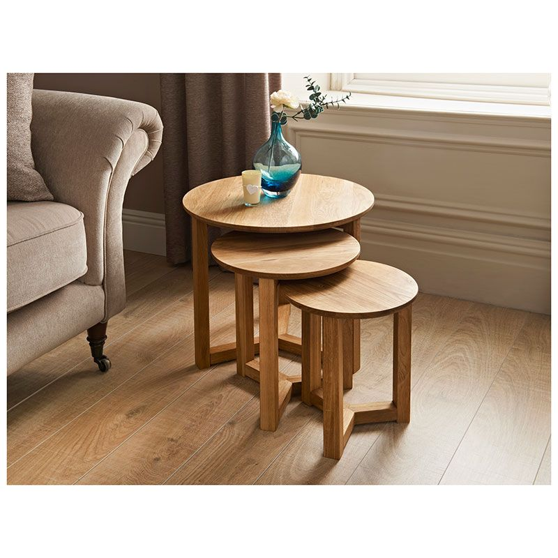 Tilbury Nest Of Tables 3 Piece   Tilbury Round Oak Tables Have Modern Legs  With Curved Top Profile   The Space Saving Tables Are Perfect For Small  Spaces.