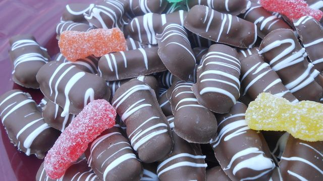 10 23 Chocolate Covered Sour Patch Kids 1 Lb Sour Patch Kids Chocolate Covered Sour Patch