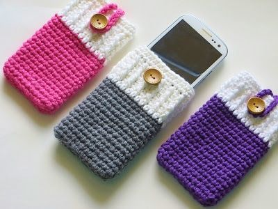 iPhone crochet case