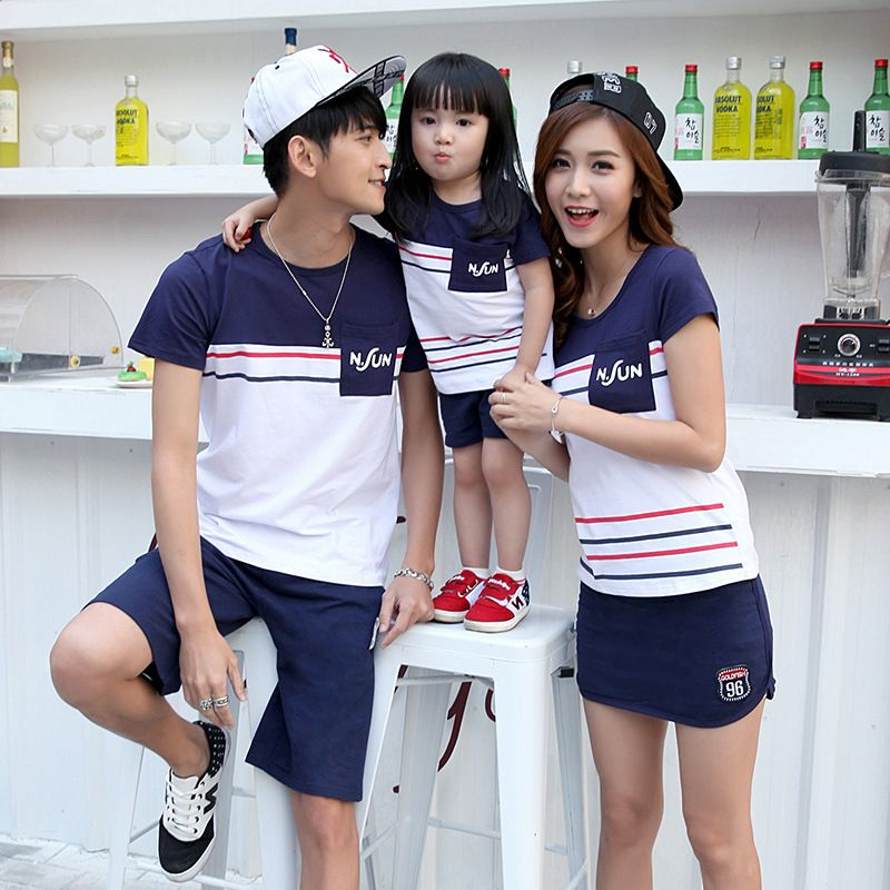 afce845e59 2017 Family Matching Outfits Spring mom dad child clothes