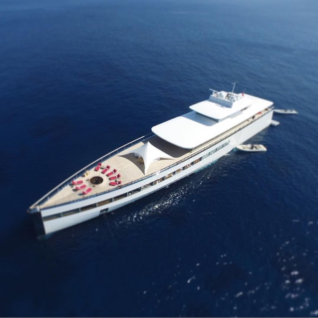 Rupert Superyacht Rear View Wavy Pinterest Rear View - Giga yacht takes luxury oil tanker sized extreme