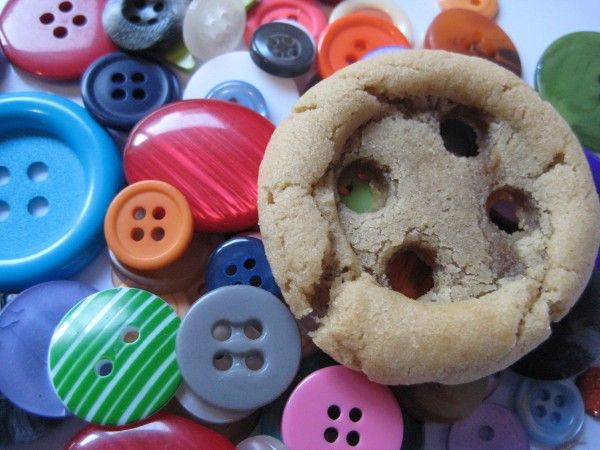 peanut butter cookie - buttons