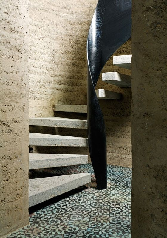 Lehmhaus Rauch || fantastic and unique house made out of rammed earth || via architonic.com