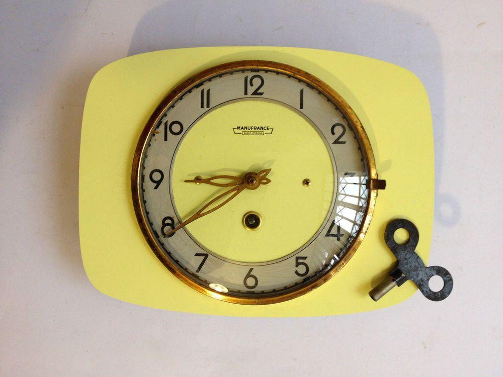 Ancienne Pendule Horloge En Formica Manufrance Vintage Design Clock 50 S Vintage Clock Old Clocks Clock