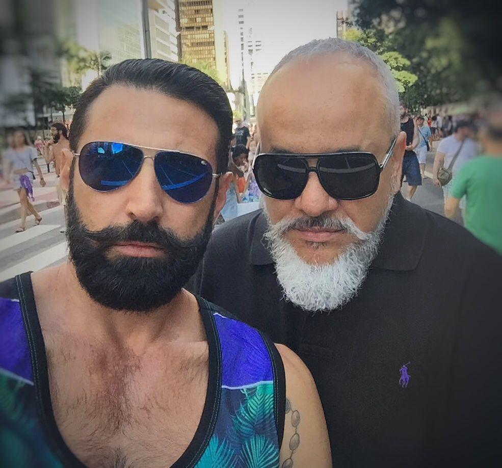 "Blackbeard and Whitebeard"" Simply Beard  barbado #beard #beardstyle #baard #beardmovement #getbearded #fullbeard #menwithbeard #beardlife #graybeard4"