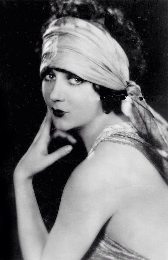 ↢ Bygone Beauties ↣ vintage photograph of Barbara La Marr