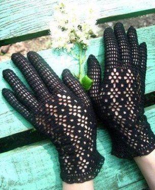 изящные черные ажурные кружевные перчатки связанные крючком своими