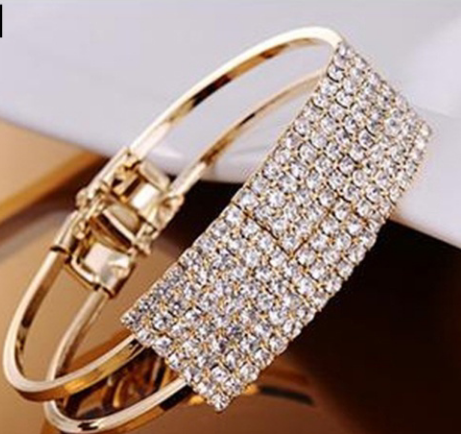 Fashion Bangle Bracelet - Gold - Look and Get It