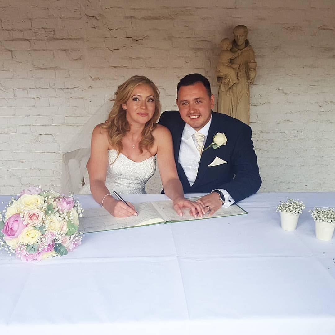 Congrats to Mr & Mrs Fox #weddingdays #weddingvows #weddingreception #weddingdays #loveit