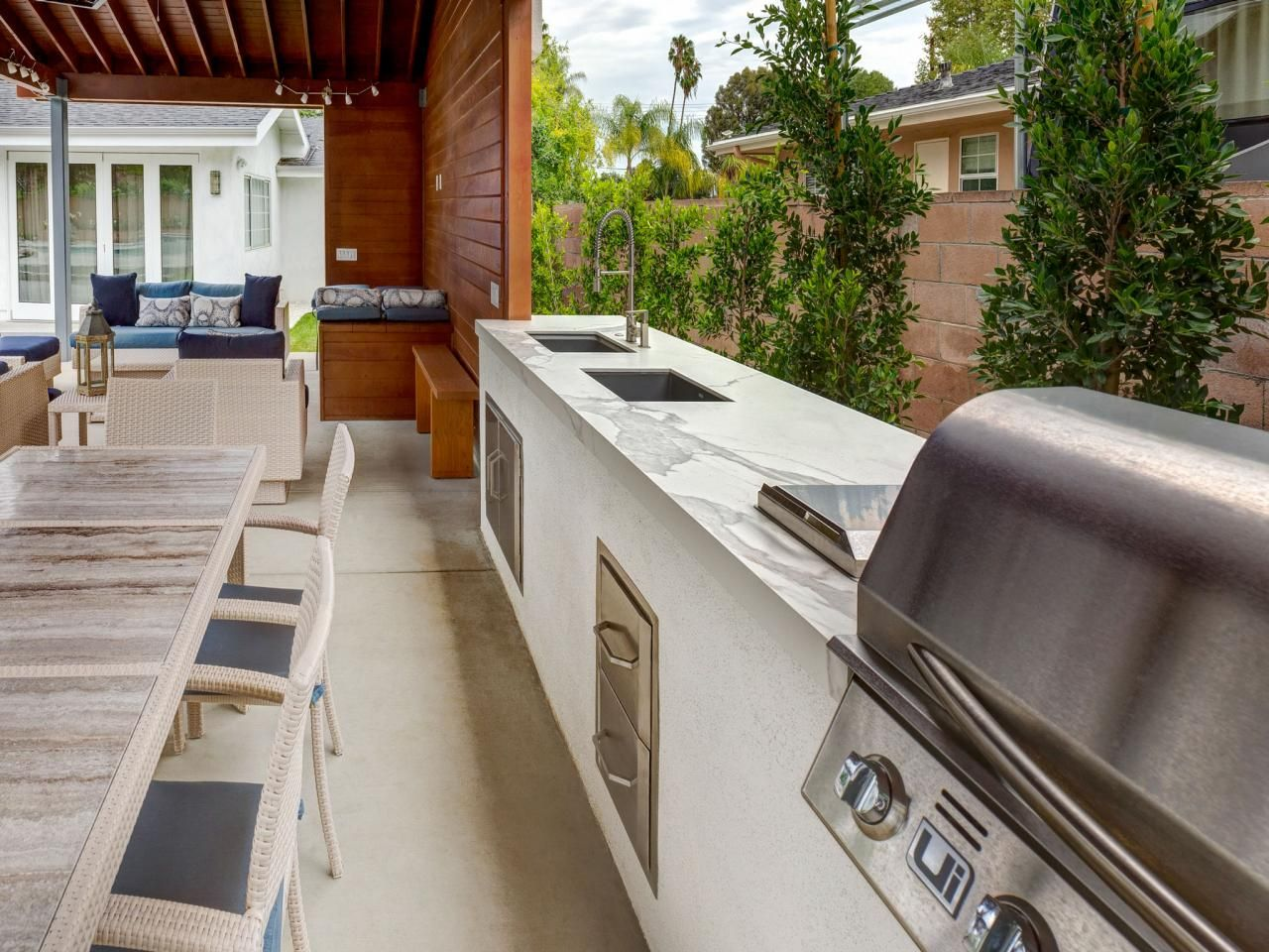 Options for an Affordable Outdoor Kitchen | backyard area ...