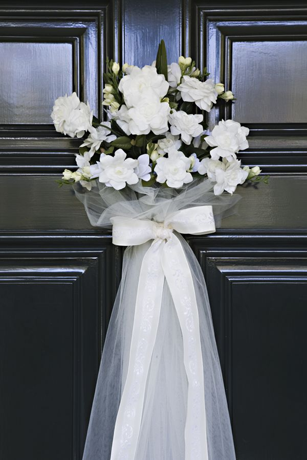 What A Cute Decorating Idea For The Door At A Bridal