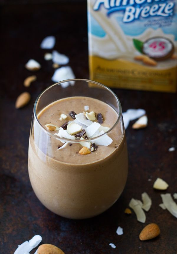 Superfood Almond Joy Smoothie- super creamy and packed with antioxidants! (healthy, vegan, + gluten-free)