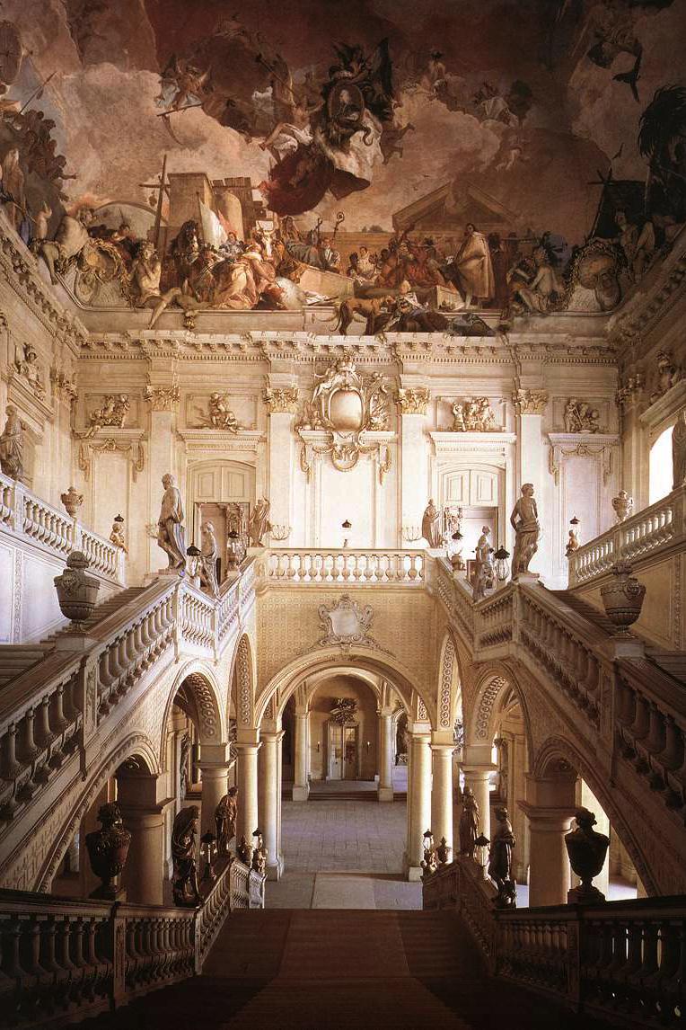 Johann balthasar neumann staircase residence of w rzburg for Design hotel wurzburg