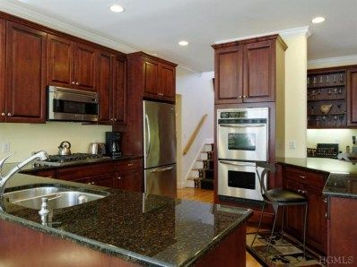 Lovely Kitchen With Granite Tops In New Rochelle Ny Spaces