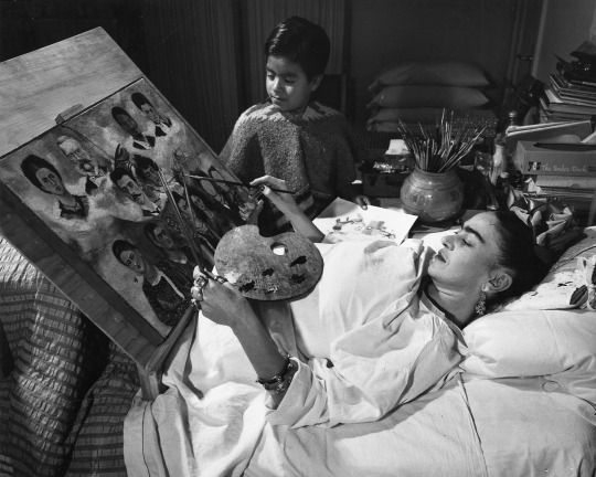 Frida Kahlo Painting In Bed After Her Accident Kahlo Abandoned