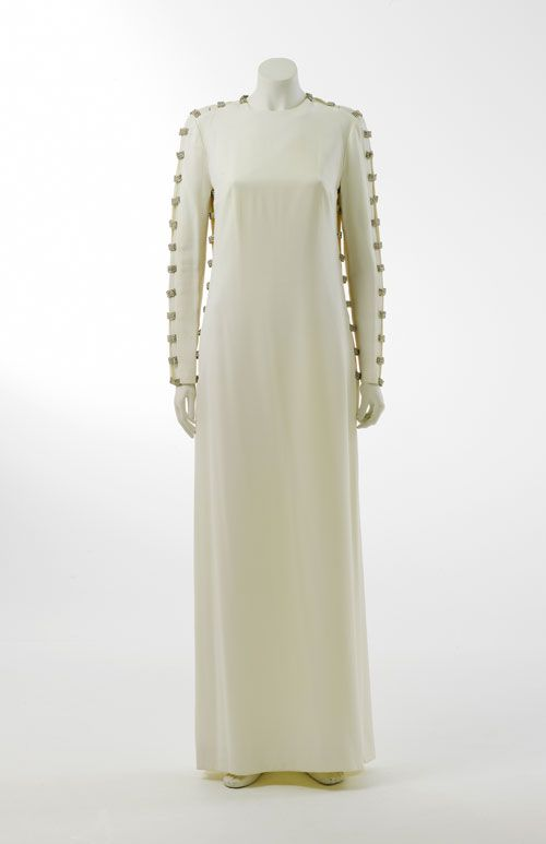 Crepe evening dress designed by Victoria Cascajo for Sonia McMahon, 1971. Gift of Lady Sonia McMahon, 1987