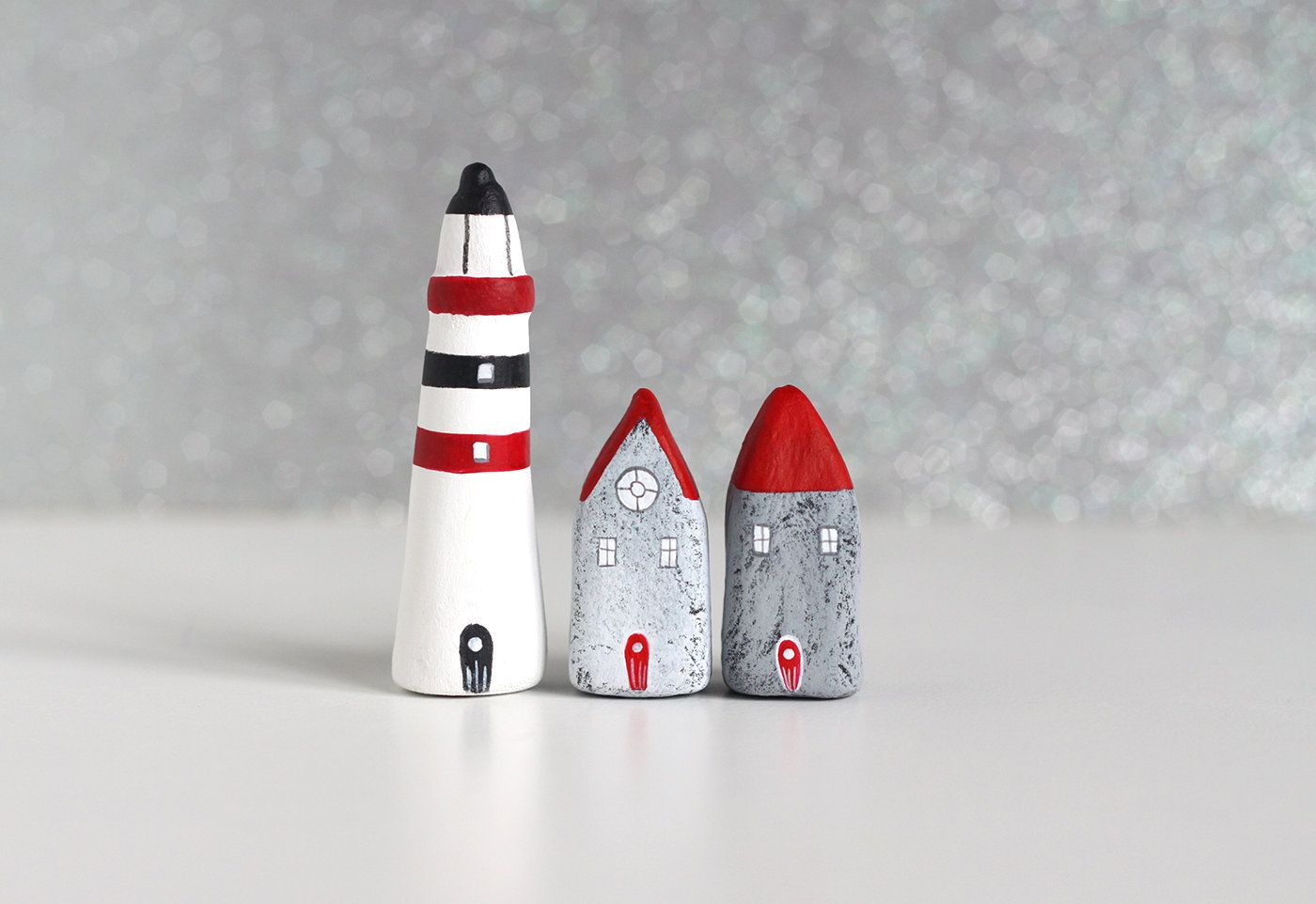 Best Little Clay Set Grey Houses With Red Roofs And Striped 400 x 300