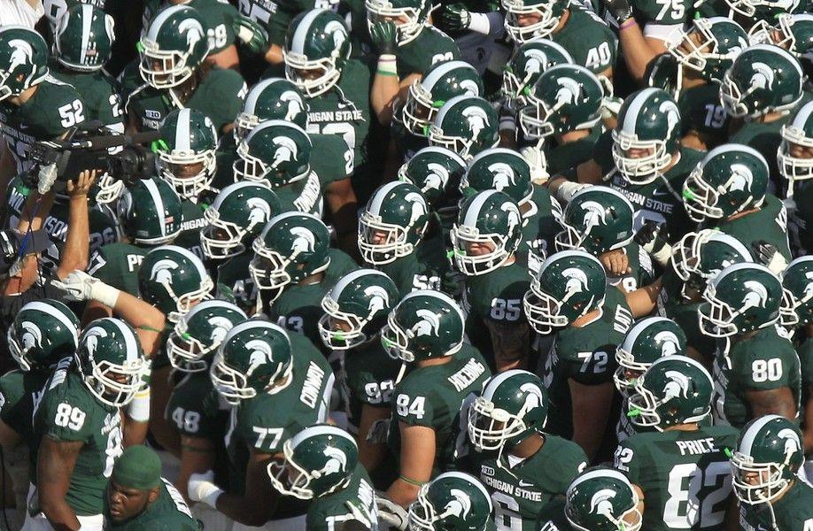 Spartan Football Team Jpg 918 600 Msu Spartans Football Michigan State Spartans Football Michigan State Football