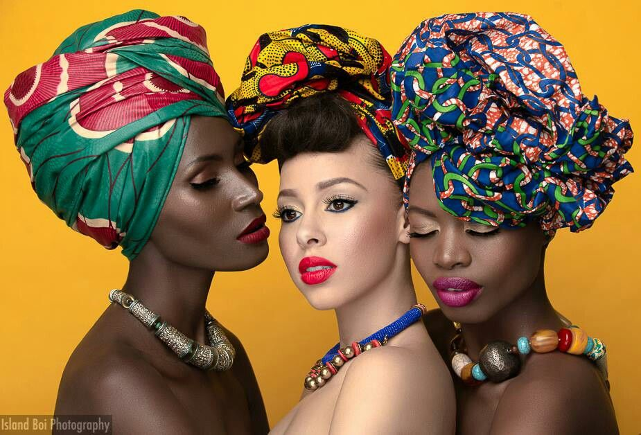 Amazing colorful combinason!  Headwraps and necklace #africancrown #rockyourcrown #africanqueen #allshades #makeup #afropolitantribe #tribe #wonderfulwraps