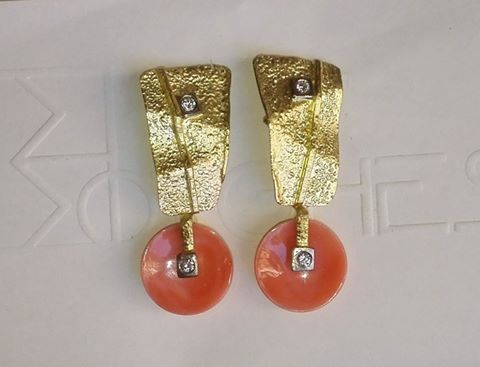 Earrings: Coral, Gold and Diamonds - #borghesi.it - #veronaforever…