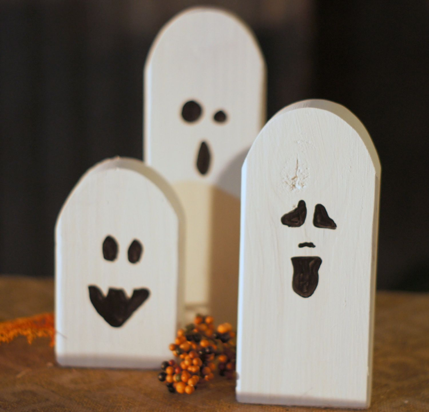 Reclaimed Wood Primitive Halloween Ghosts Rustic halloween - Ghost Halloween Decorations