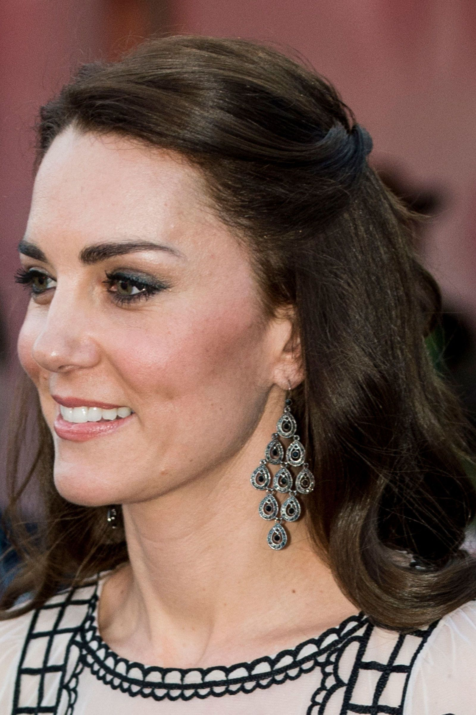 How to keep your hair frizz-free and glossy like the #DuchessofCambridge in Bhutan #BeautyMuse #BazaarLoves #HairTips #RoyalTour